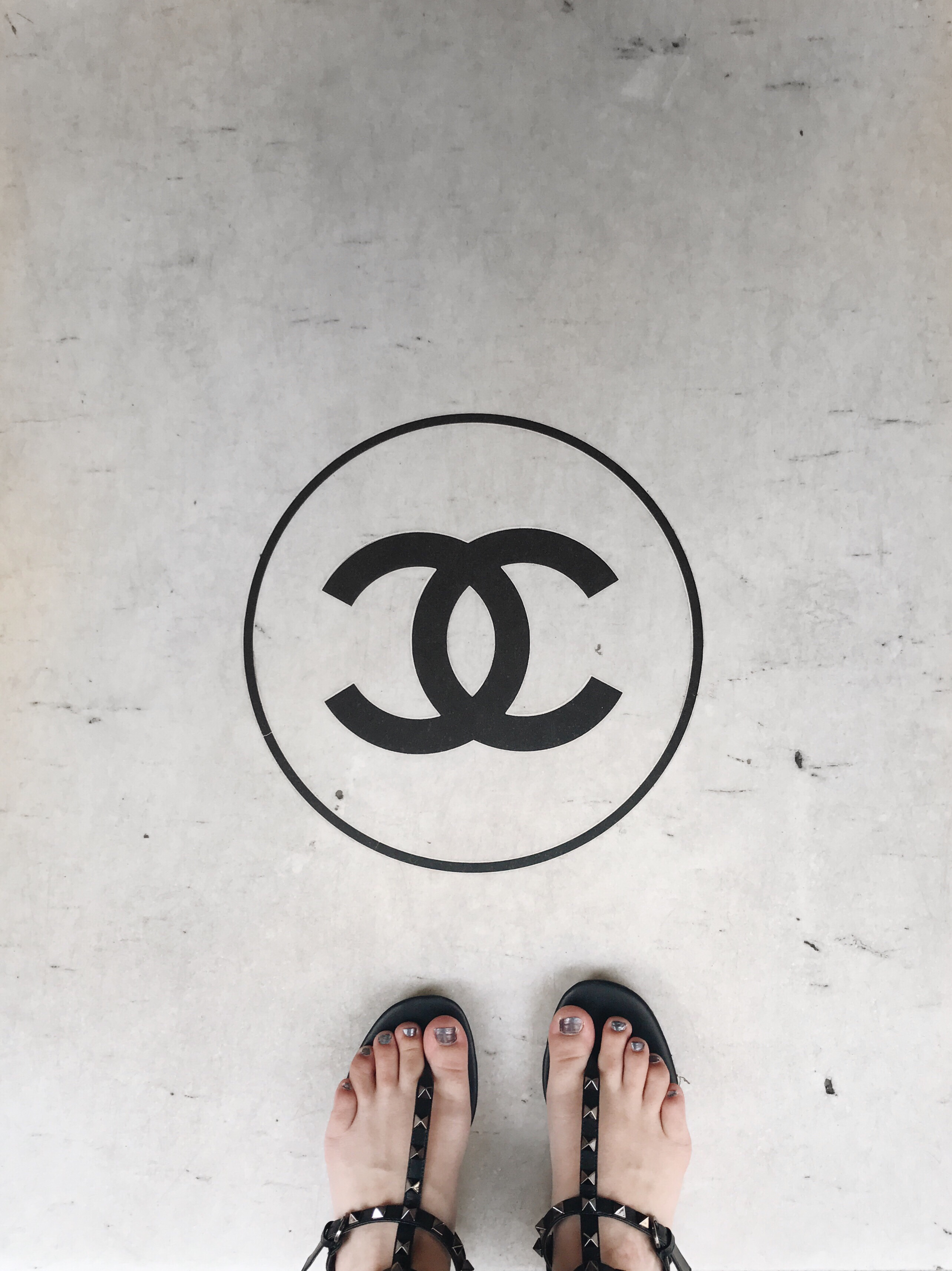 4cc791fd3cb3c6 Chanel Sues Reseller What Goes Around Comes Around   Tygpress