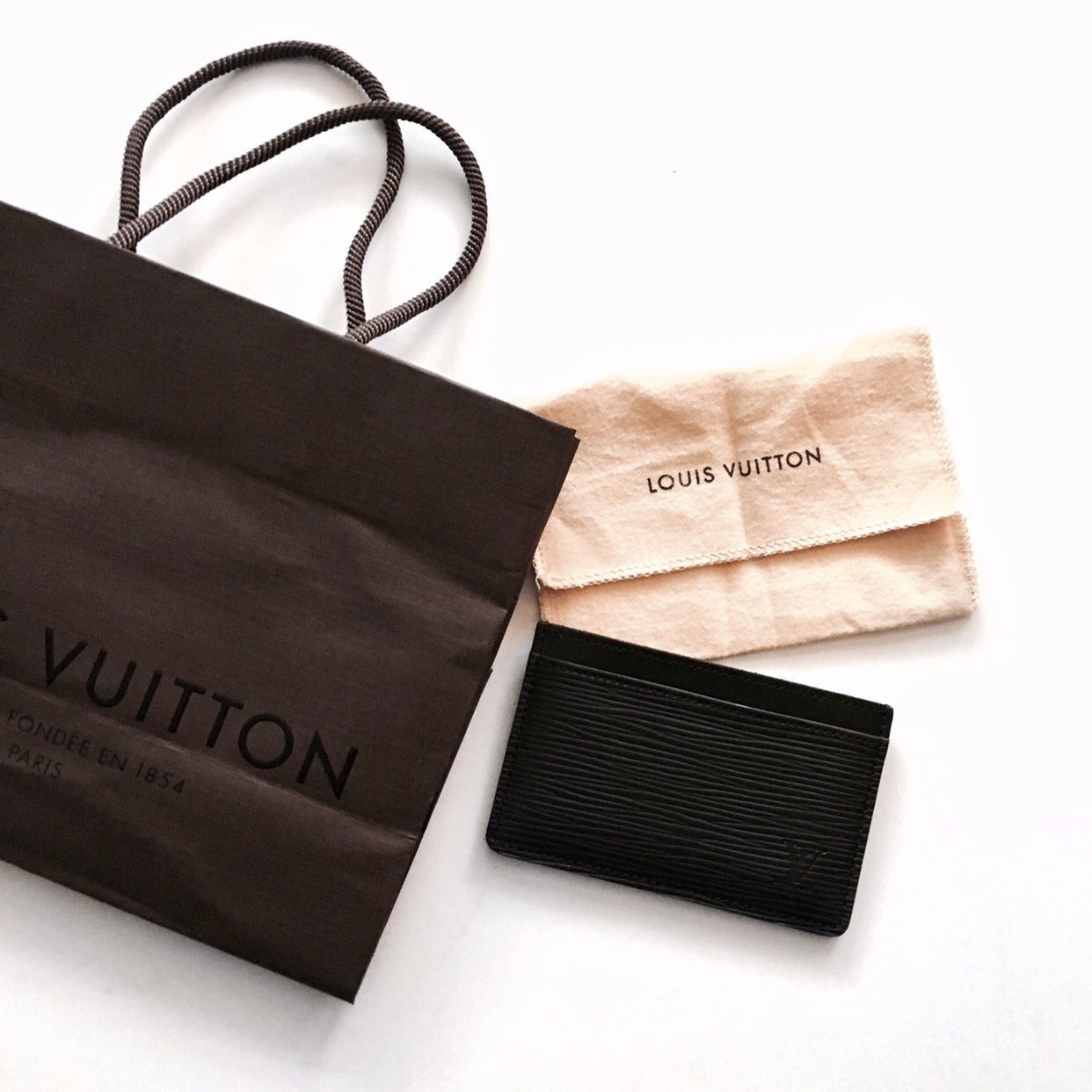 Louis Vuitton Epi Leather Simple Card Case Review | CoffeeAndHandbags.com