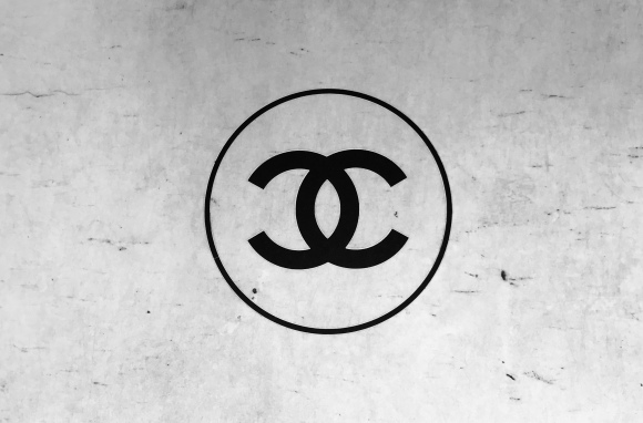 Chanel CC Logo: Designed in 1925 | CoffeeAndHandbags.com