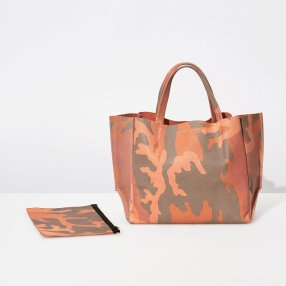 Ampersand As Apostrophe Coral Camo Half Tote Bag